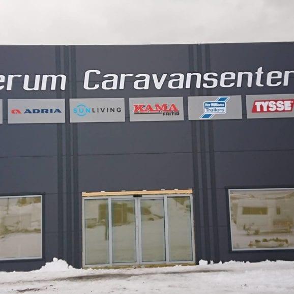 Fasadeskilt med frittstående bokstaver fra Presis